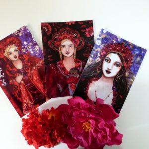 Série de 3 cartes postales rectangulaires femmes dans un esprit bohème et romantique.